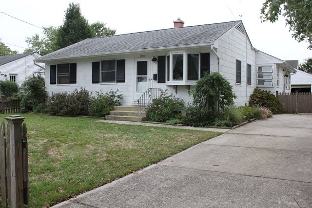 Cape Cottage  Walk to Beach and Pet Friendly 117583 - Image 1 - Cape May - rentals