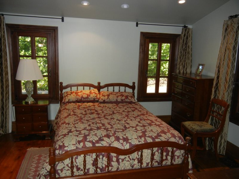 LOVELY AND FURNISHED 1 BED, 1 BATH COTTAGE IN LOS GATOS / SARATOGA - Image 1 - Los Gatos - rentals