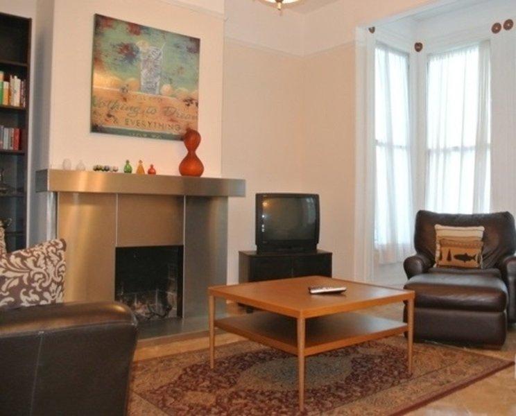 Furnished 2-Bedroom Apartment at 18th St & Eureka St San Francisco - Image 1 - San Francisco - rentals