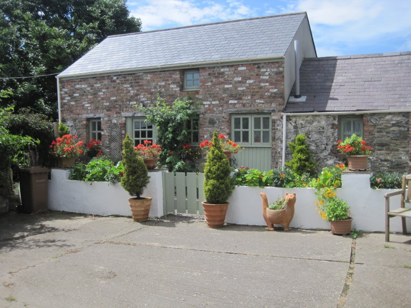 Front View - Ballavarteen - 2 Bedroom Detached Holiday Cottage - Ramsey - rentals