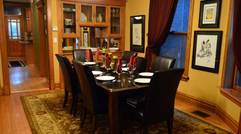 Furnished 5-Bedroom Apartment at W Waveland Ave & N Lakewood Ave Chicago - Image 1 - Chicago - rentals