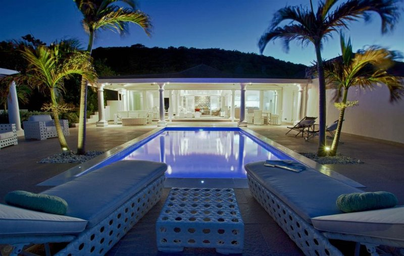 La Perla Bianca at Baie Rouge Beach, Saint Maarten - Beachfront, Pool, Romantic Getaway - Image 1 - Terres Basses - rentals