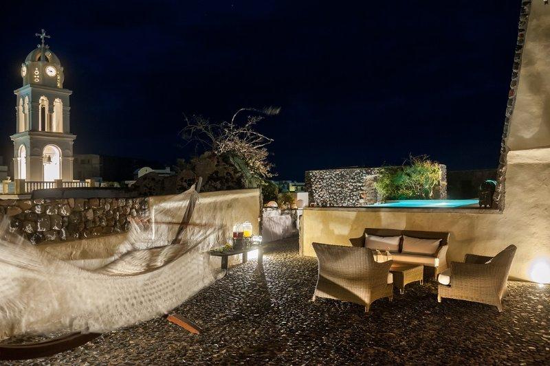Modern Santorini Villa with Rooftop Terrace and Beautiful Views - Villa Plakoto - Image 1 - Megalochori - rentals