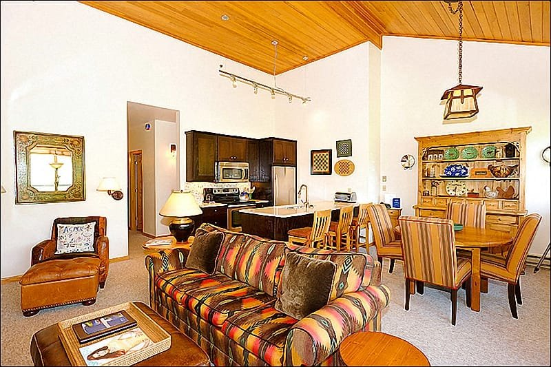 Main Living Area - Gorgeous, Remodeled Home - Fantastic Mountain Views (1975) - Snowmass Village - rentals