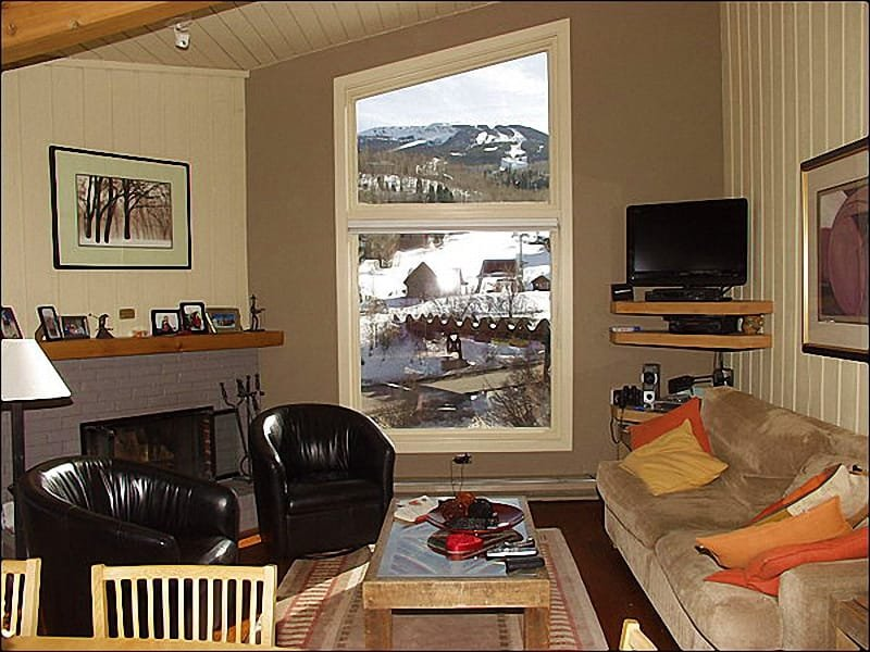 Living room with views of the slopes - Immaculate 2 Bed + Loft - Full Amenities (2158) - Snowmass Village - rentals