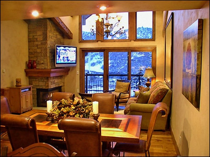 Living Room/Dining Room area - New High-End Remodel - Ski-in/Ski-out (2700) - Snowmass Village - rentals