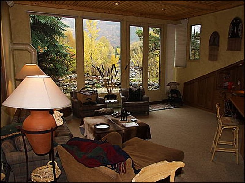 Living room with gas fireplace - Spectacular Views of Ajax - River Bluff Town House (5412) - Aspen - rentals