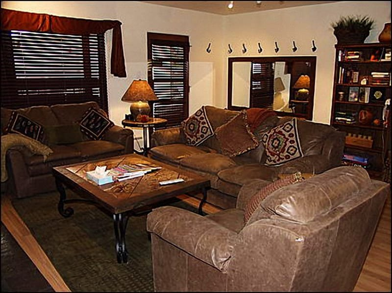 Cozy Living Area - Fashing Haus Condo - Newly Remodeled (7967) - Aspen - rentals