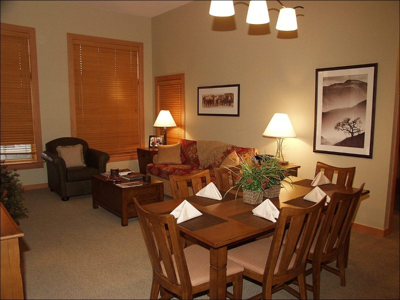 Main Living Area - Capitol Peak Lodge - Close to the Gondola - Down Valley Views (9262) - Snowmass Village - rentals
