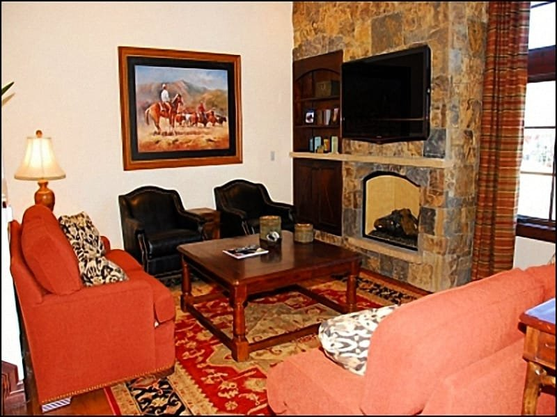 Family Room - Brand New Town Home - Ski-in/Ski-out (9644) - Snowmass Village - rentals