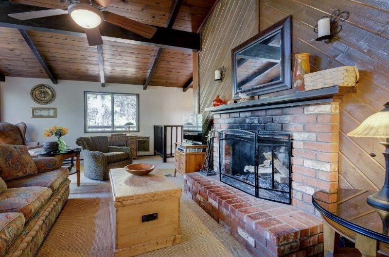 Modern Mtn Home w/ Woodland Views, Fireplace, Wraparound Deck! - Image 1 - Idyllwild - rentals