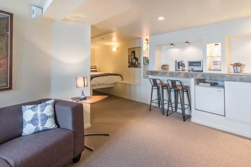 Modern 1 Bedroom, 1 Bathroom Hotel-like Apartment in San Francisco - Image 1 - San Francisco - rentals