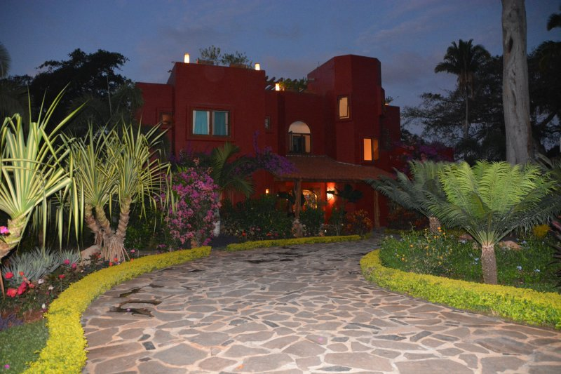 Magical home with a fabulous tropical garden! - Magical ocean views north of Sayulita Nayarit - Chacala - rentals
