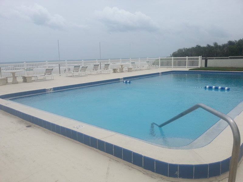 Ocean front pool - NSB Oceanside townhome 2Bd 2.5Ba pet  friendly - New Smyrna Beach - rentals