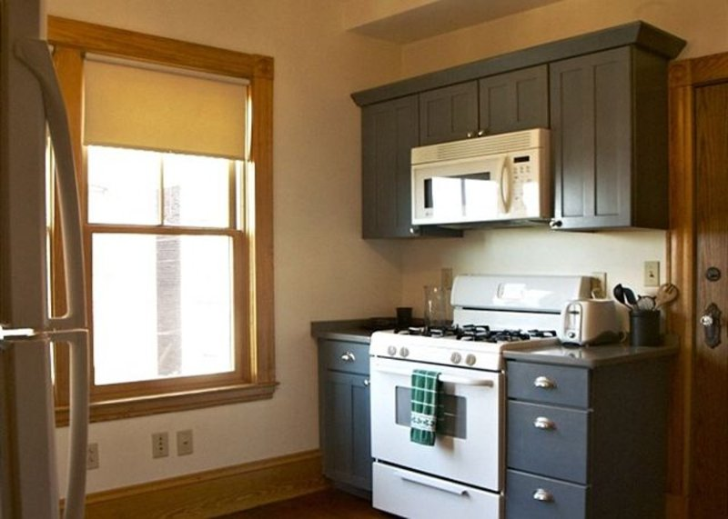 MODERN AND FURNISHED 3 BEDROOM, 1 BATHROOM APARTMENT - Image 1 - Greater Boston - rentals