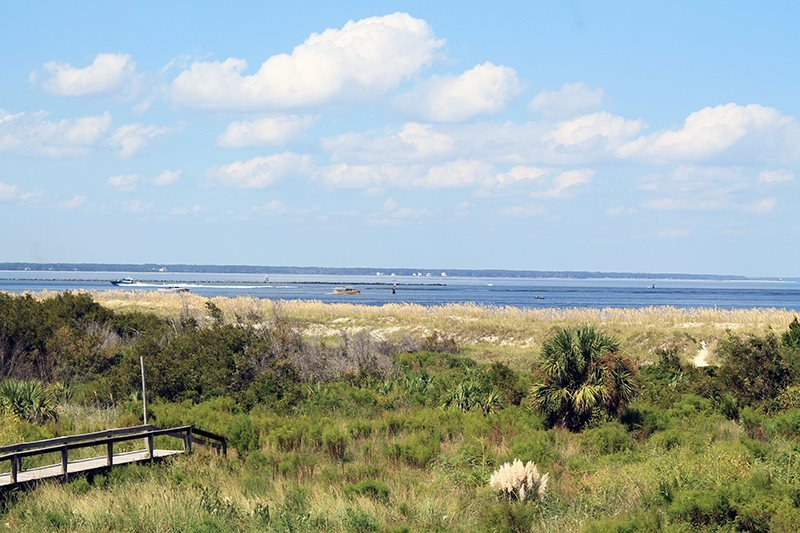Lighthouse Point Beach Club - Unit 13B - Swimming Pools - Tennis Courts - FREE Wi-Fi - Image 1 - Tybee Island - rentals