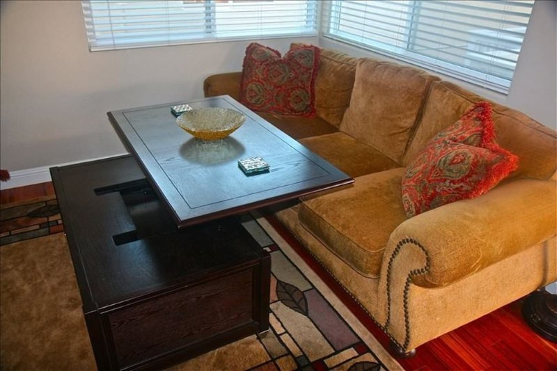 Furnished 2-Bedroom Condo at 2nd Ave & Narcissus Ave Newport Beach - Image 1 - Newport Beach - rentals