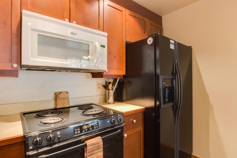 Convenient mountain condo near lifts w/ shared hot tub/pool! - Image 1 - Breckenridge - rentals
