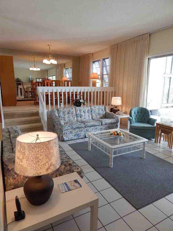 Living room - Gulfside Large Garden Unit N - Siesta Key - rentals