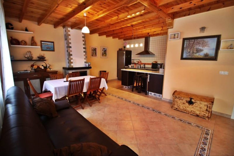 Cozy family friendly house.in a peaceful environment - Image 1 - Dodro - rentals