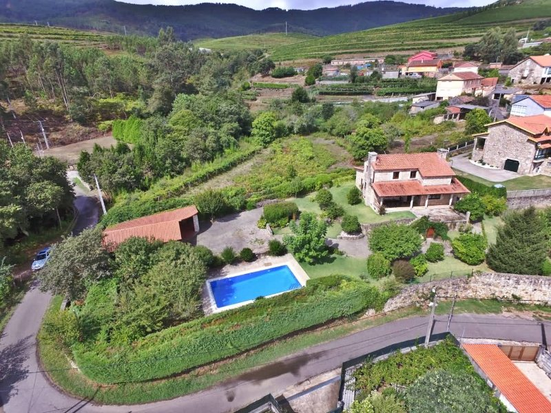 Luxurious villa with swimming pool in Rías Baixas - Image 1 - Tomino - rentals