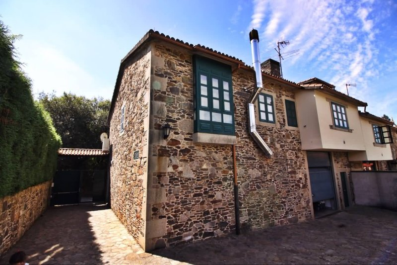 """Lovely stone house on """"the way of St. James of Compostela"""" - Image 1 - Santiago de Compostela - rentals"""