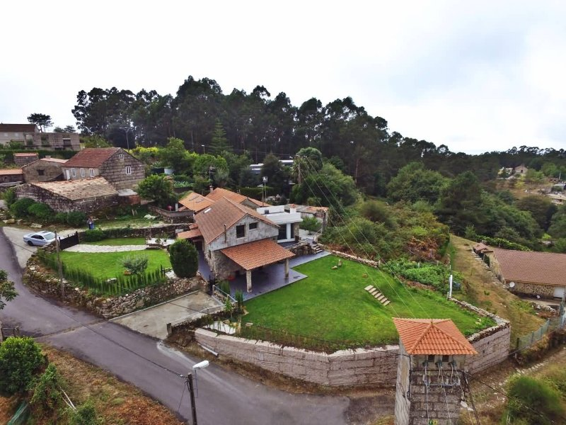 Cozy rustic house in Monte Aloia Natural Park and close to the beach - Image 1 - Gondomar - rentals