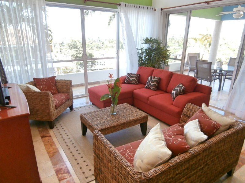 "Penthouse condo in the ""Golden Zone"" of Bucerias - Image 1 - Bucerias - rentals"