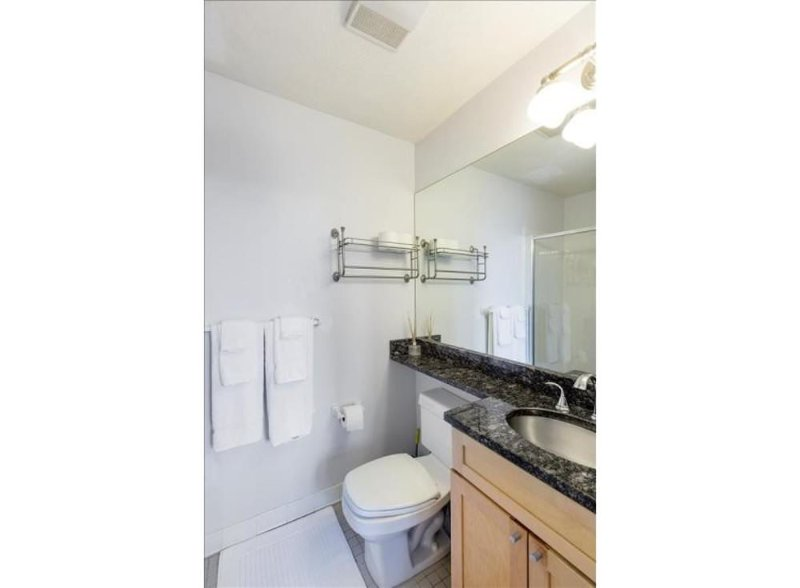 BEAUTIFULLY FURNISHED, CLEAN AND CHARMING STUDIO APARTMENT - Image 1 - Boston - rentals