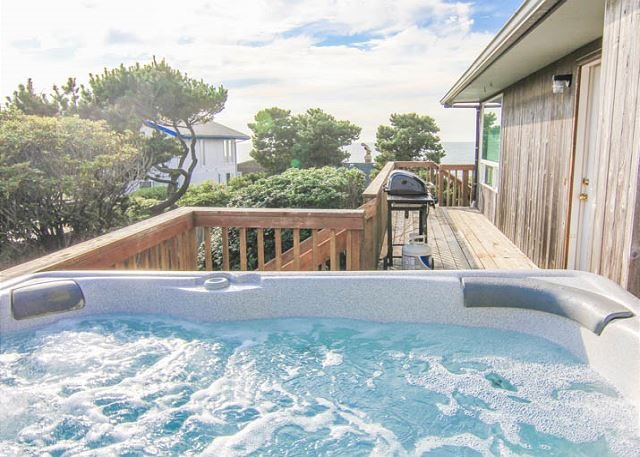 Ocean View Roads End Home with Hot Tub - Image 1 - Lincoln City - rentals