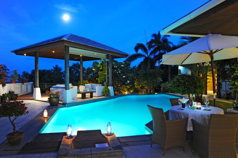 Evening Ambience under a full moon - SAMUI BLU ...SAMUI'S MOST POPULAR 4 STAR VILLA - Choeng Mon - rentals