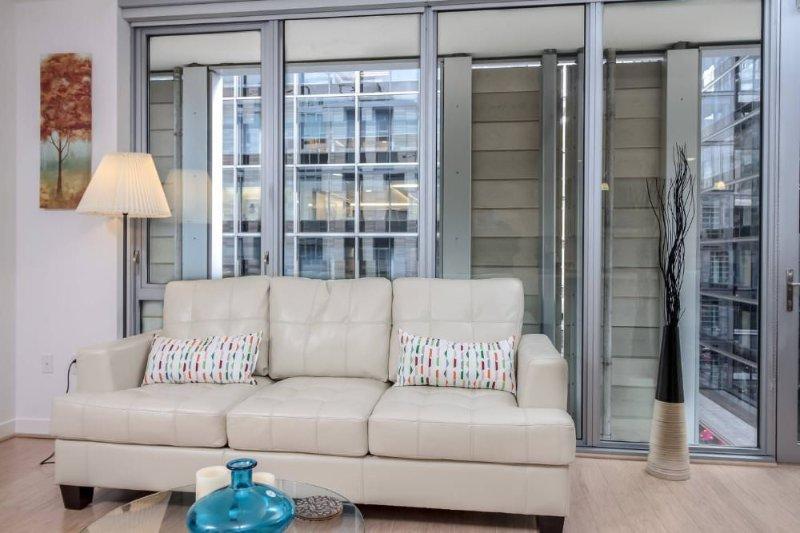 Furnished 3-Bedroom Apartment at H St NW & 10th St NW Washington - Image 1 - Washington DC - rentals