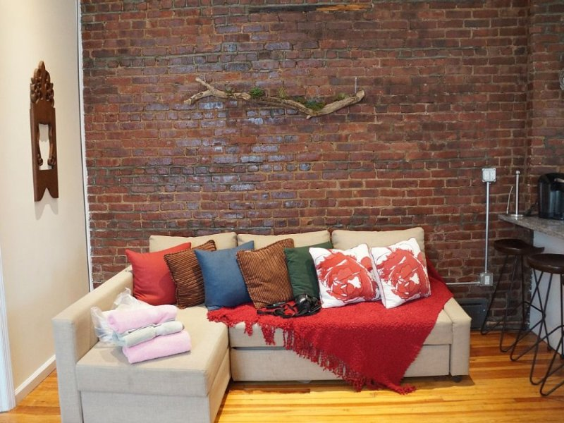Furnished 3-Bedroom Apartment at 40th Ave & 27th St Queens - Image 1 - New York City - rentals