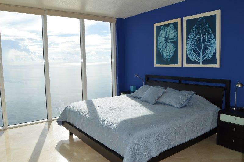 DIRECT OCEAN! MASSIVE CORNER! WOW! LARGE BALCONY! - Image 1 - Sunny Isles Beach - rentals