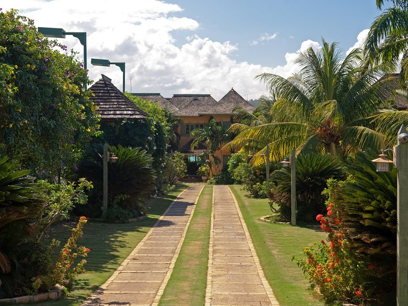Keelawee - Image 1 - Discovery Bay - rentals