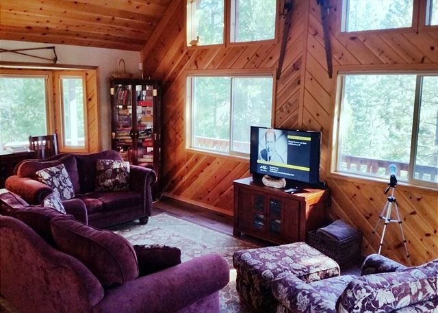 "Great Room another view - Peaceful ""Mountain Getaway"" located in a quiet area of Blue Lake Springs - Arnold - rentals"