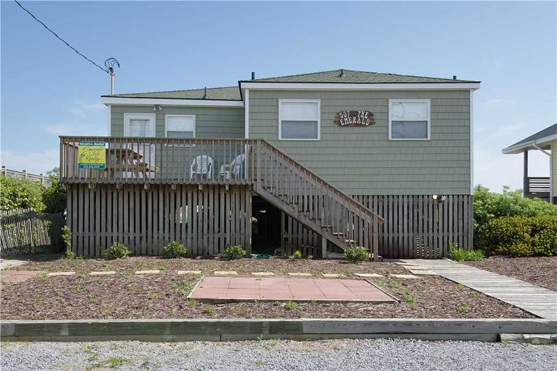 Emerald Cottage - Image 1 - Emerald Isle - rentals