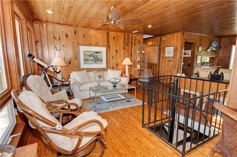 Hunter's Hideaway - Image 1 - Emerald Isle - rentals