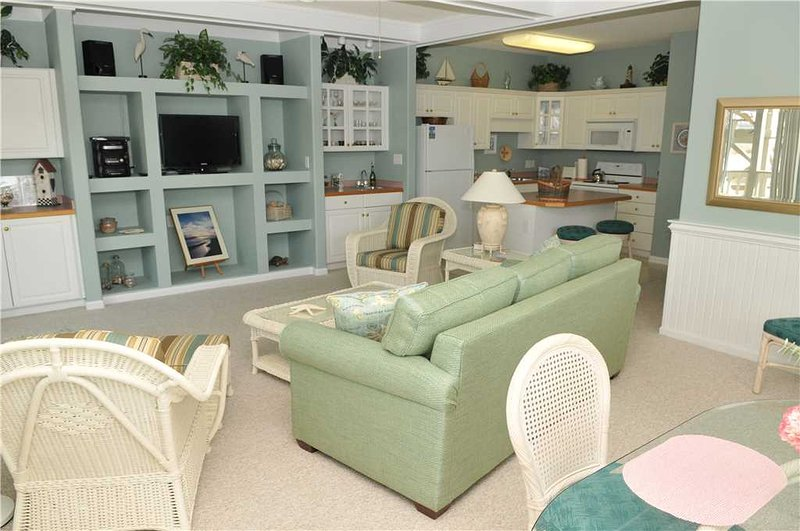 Pier Pointe 6 A-2 West - Image 1 - Emerald Isle - rentals