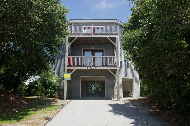 Round House - Image 1 - Emerald Isle - rentals