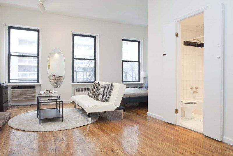 Furnished Studio Apartment at 1st Avenue & E 76th St New York - Image 1 - Manhattan - rentals