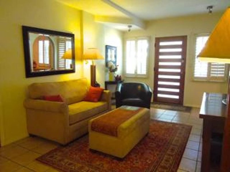 Comfy and Relaxing 1 Bedroom, 1 Bathroom Apartment - Los Angeles - Image 1 - Los Angeles - rentals
