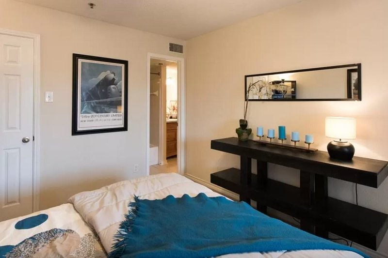Furnished 1-Bedroom Condo at Jones Branch Dr & Lincoln Way Tysons - Image 1 - Crescent Valley - rentals