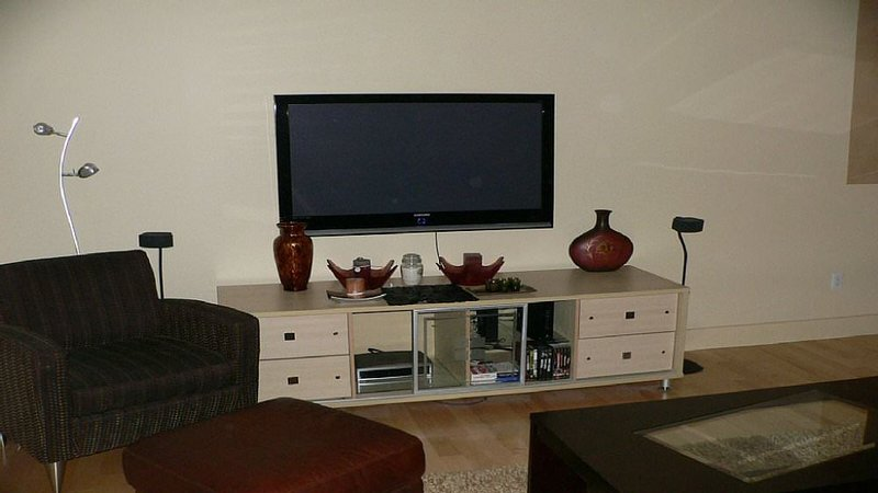 Furnished 2-Bedroom Condo at Lincoln St & Tufts St Boston - Image 1 - Boston - rentals