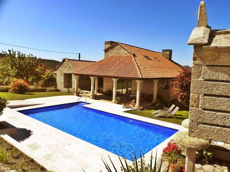 Luxurious villa with swimming pool in Pontevedra - Image 1 - Borela - rentals