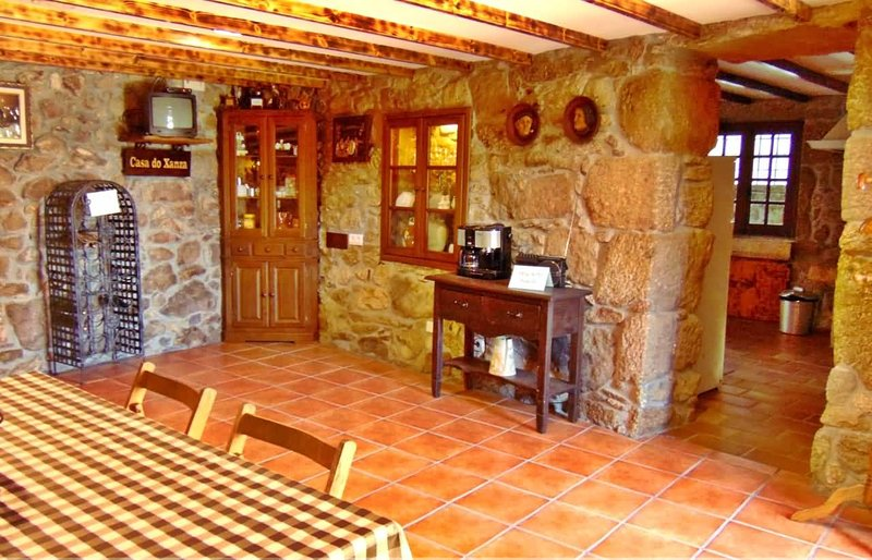 Charming stone house in delightful place - Image 1 - Outeirino - rentals