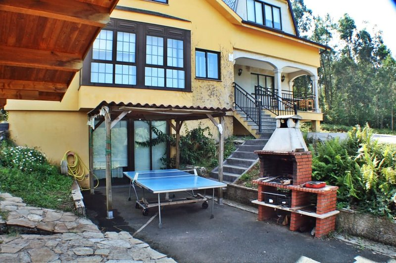 Lovely, cozy villa with swimming pool and barbacue near Coruña and Ferrol - Image 1 - Mino - rentals
