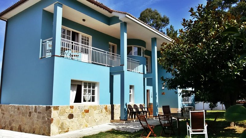 Spacious villa with amazing garden near the beach and Sada - Image 1 - Sada - rentals