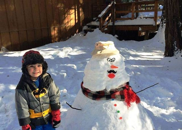 "2015 Wakanda Cabin Snowman Entry - The word ""Wakanda"" is Sioux for ""Magical"" that's what your experience will be - Dorrington - rentals"