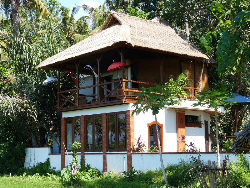 BALI TRADITIONAL-Icy BEER SLEEPS 4/6 AC+ GLAMPING - Image 1 - Karangasem - rentals